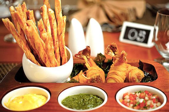 Prawns Rolls & Cheese Straws with Classic Dipping